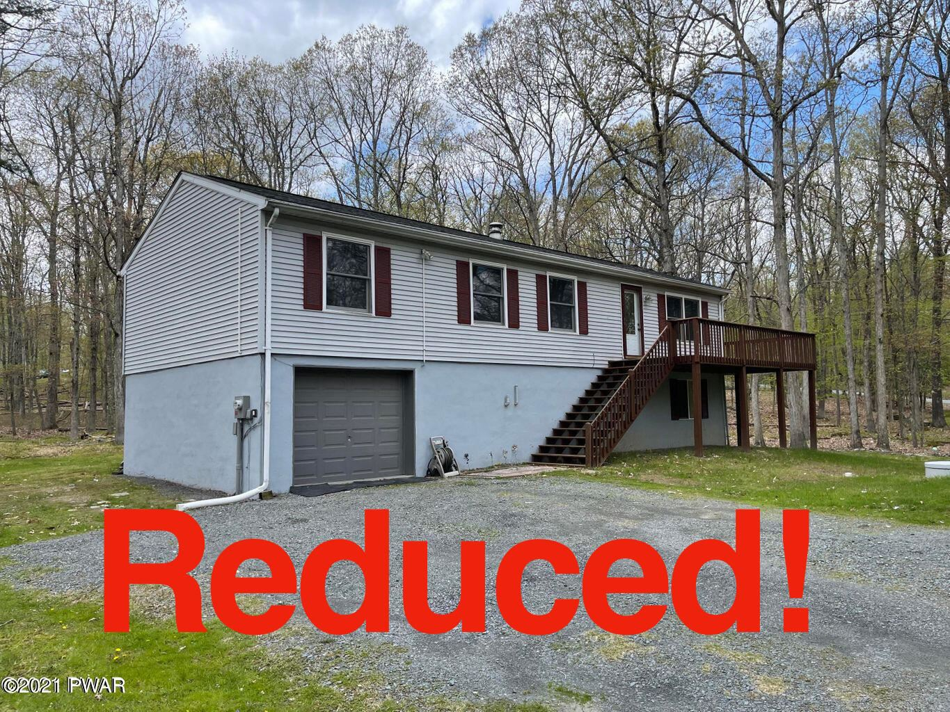 Photo of 240 Lower Lakeview Dr, Hawley, PA 18428 (MLS # 21-1609)