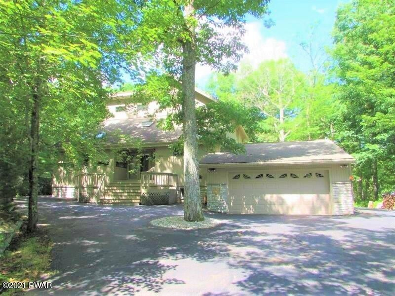 Photo of 134 Goldrush Dr, Lords Valley, PA 18428 (MLS # 21-2614)