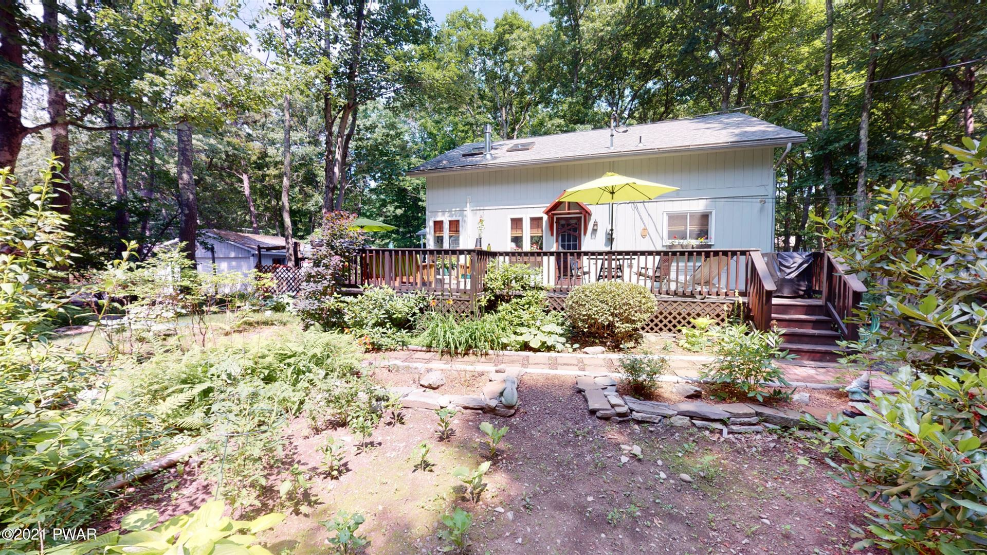 Photo of 114 Jackson Dr, Lords Valley, PA 18428 (MLS # 21-2629)