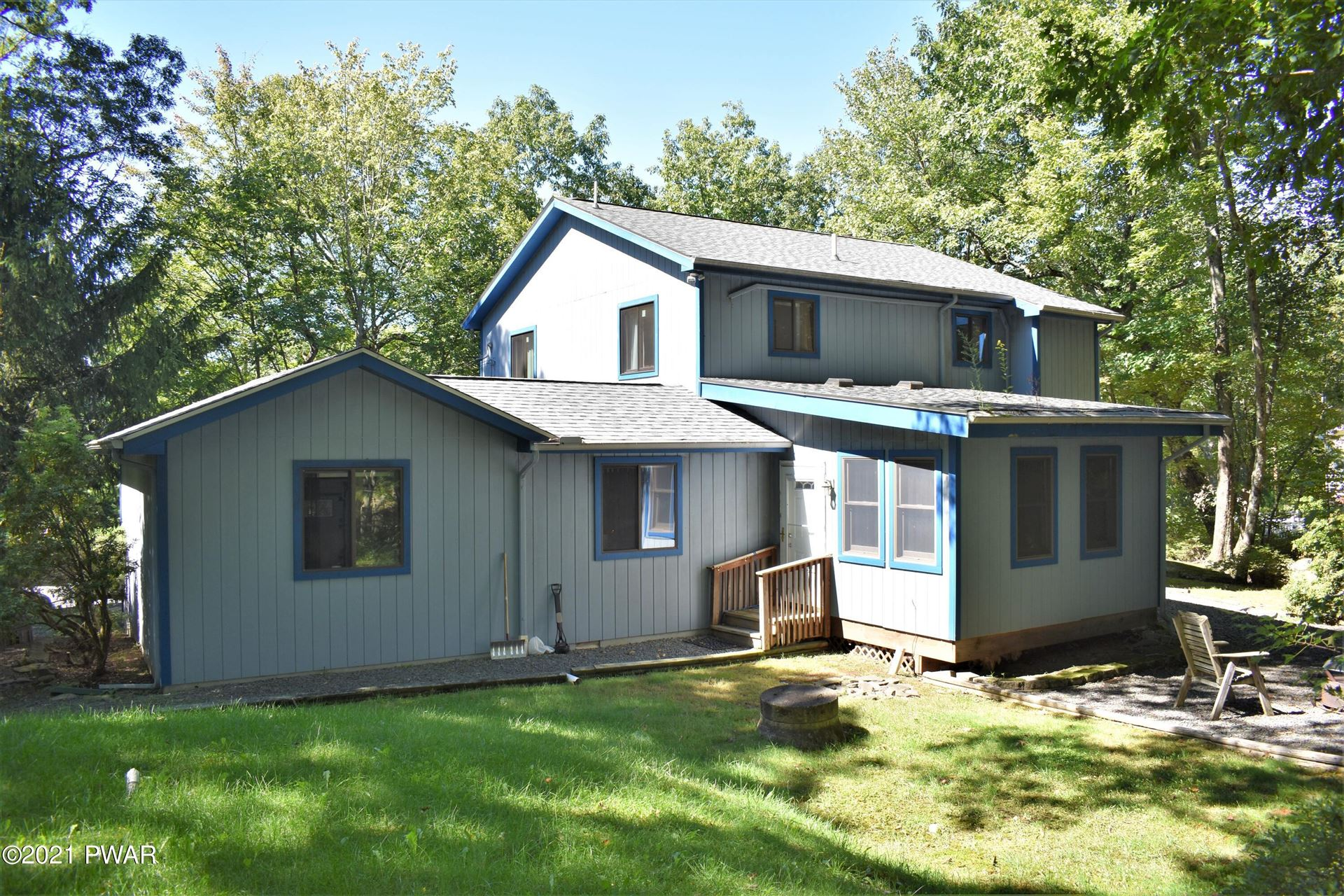 Photo of 221 Remuda Drive, Lords Valley, PA 18428 (MLS # 21-2634)