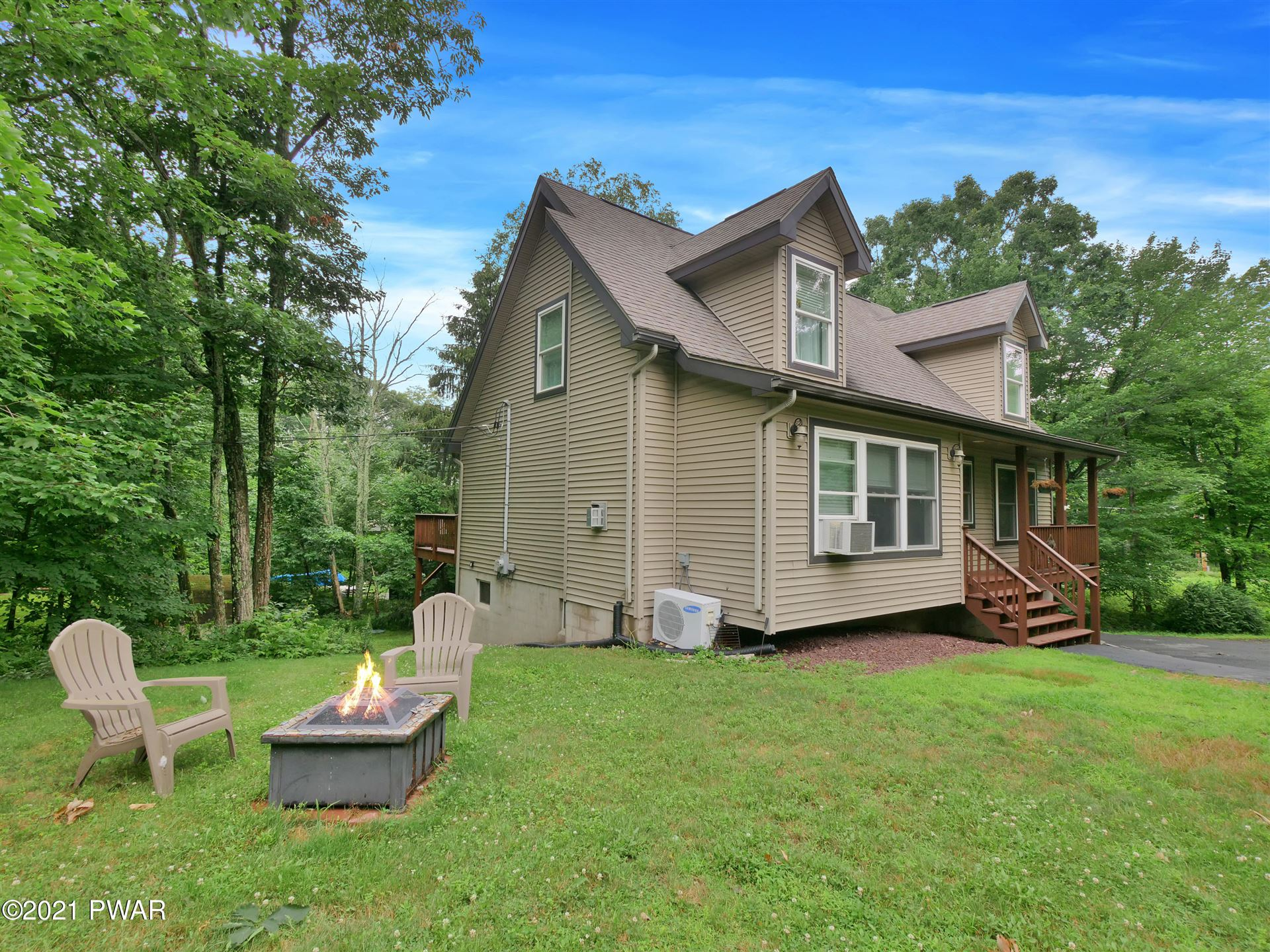 Photo of 111 Remuda Dr, Lords Valley, PA 18428 (MLS # 21-2678)