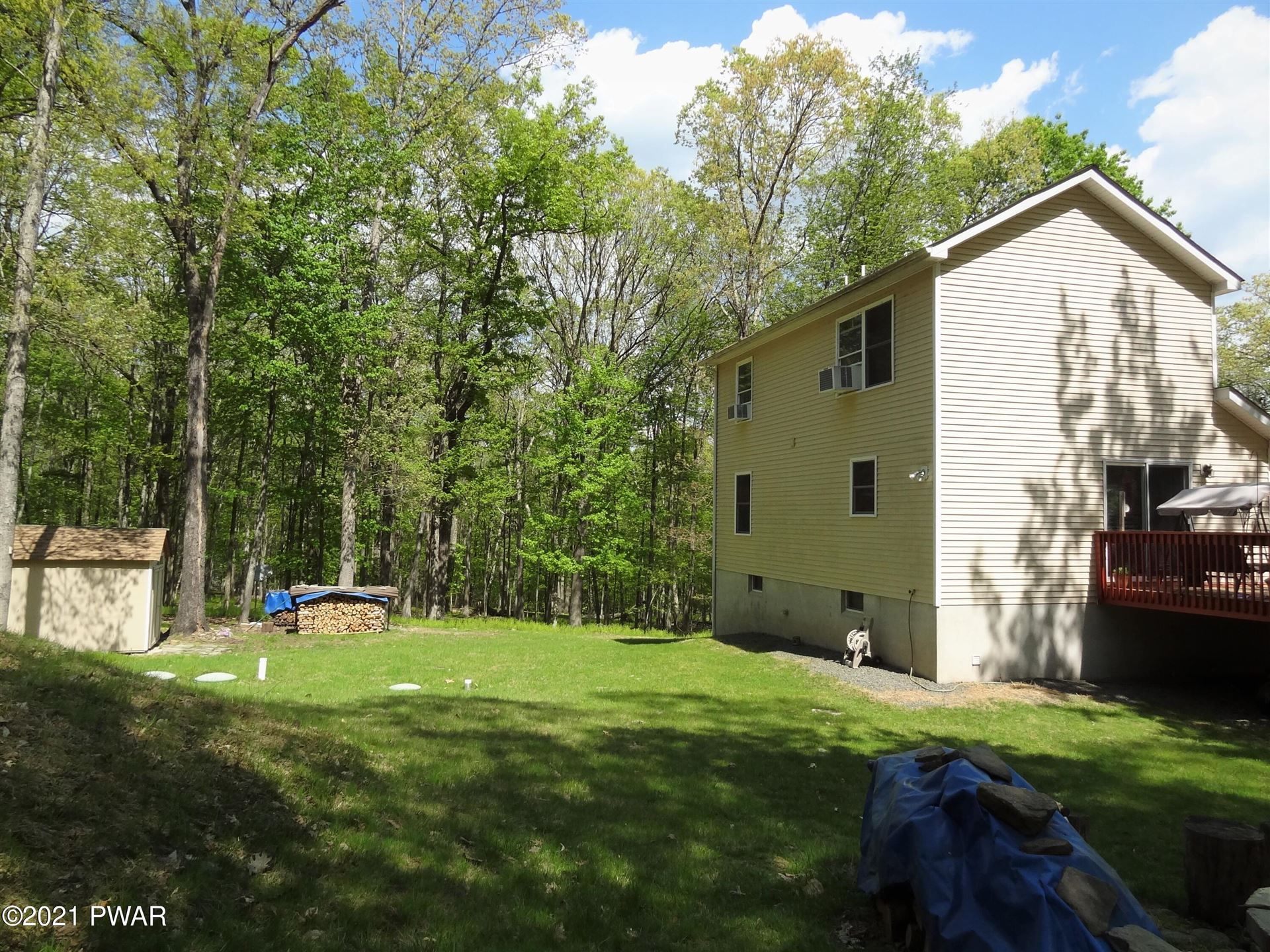 Photo of 117 Forest Ridge Dr, Hawley, PA 18428 (MLS # 21-690)