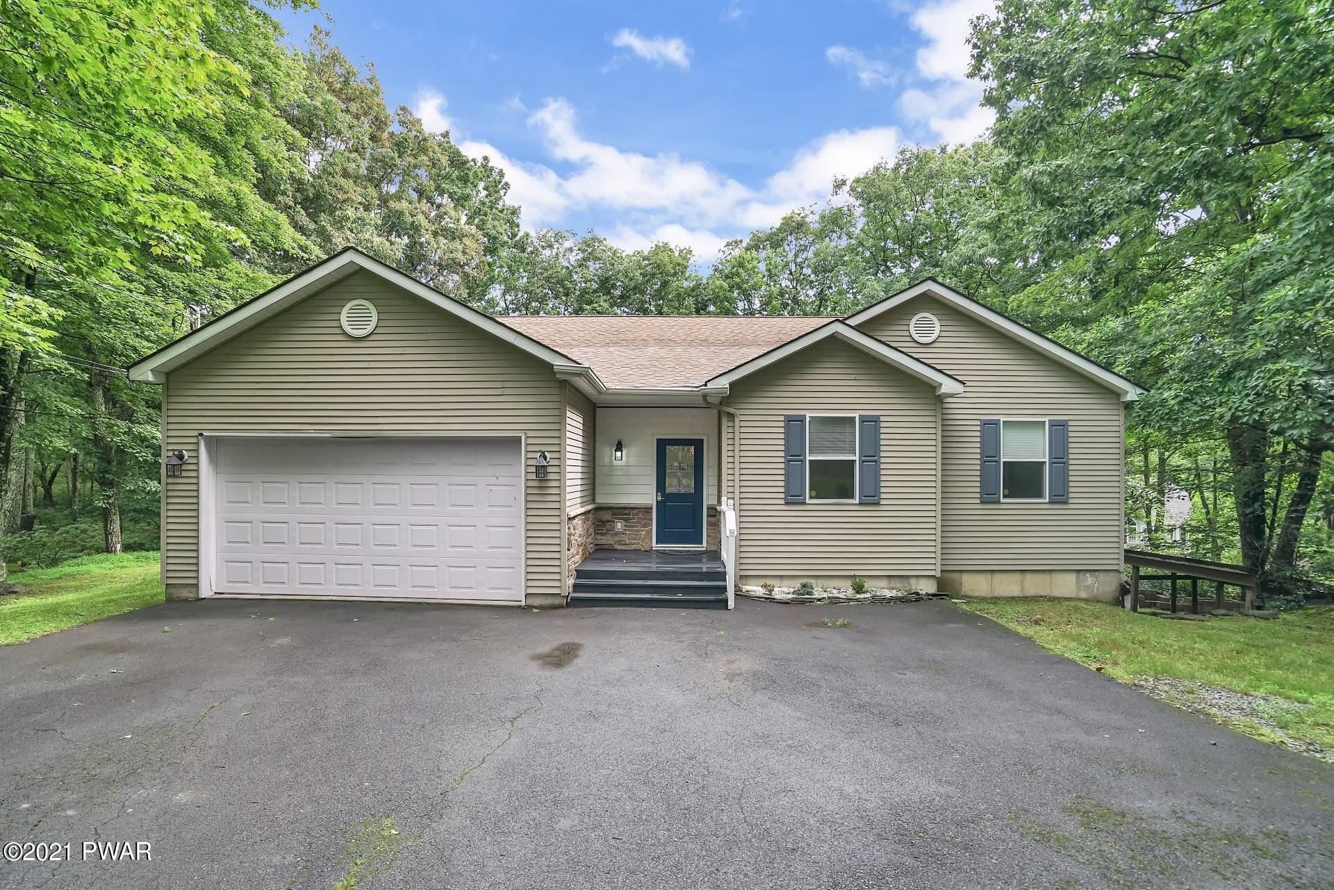 Photo of 803 Placer Ct, Hawley, PA 18428 (MLS # 21-2695)