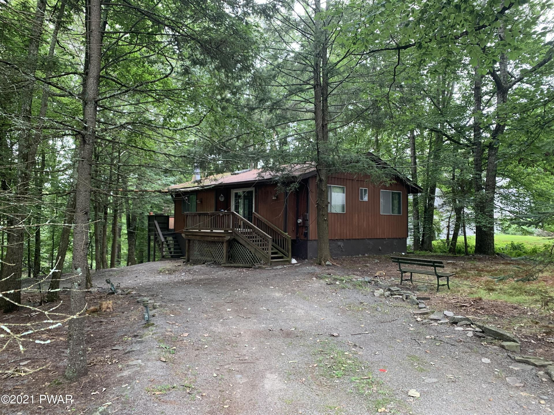 Photo of 530 Maple Ridge Dr, Lords Valley, PA 18428 (MLS # 21-2754)