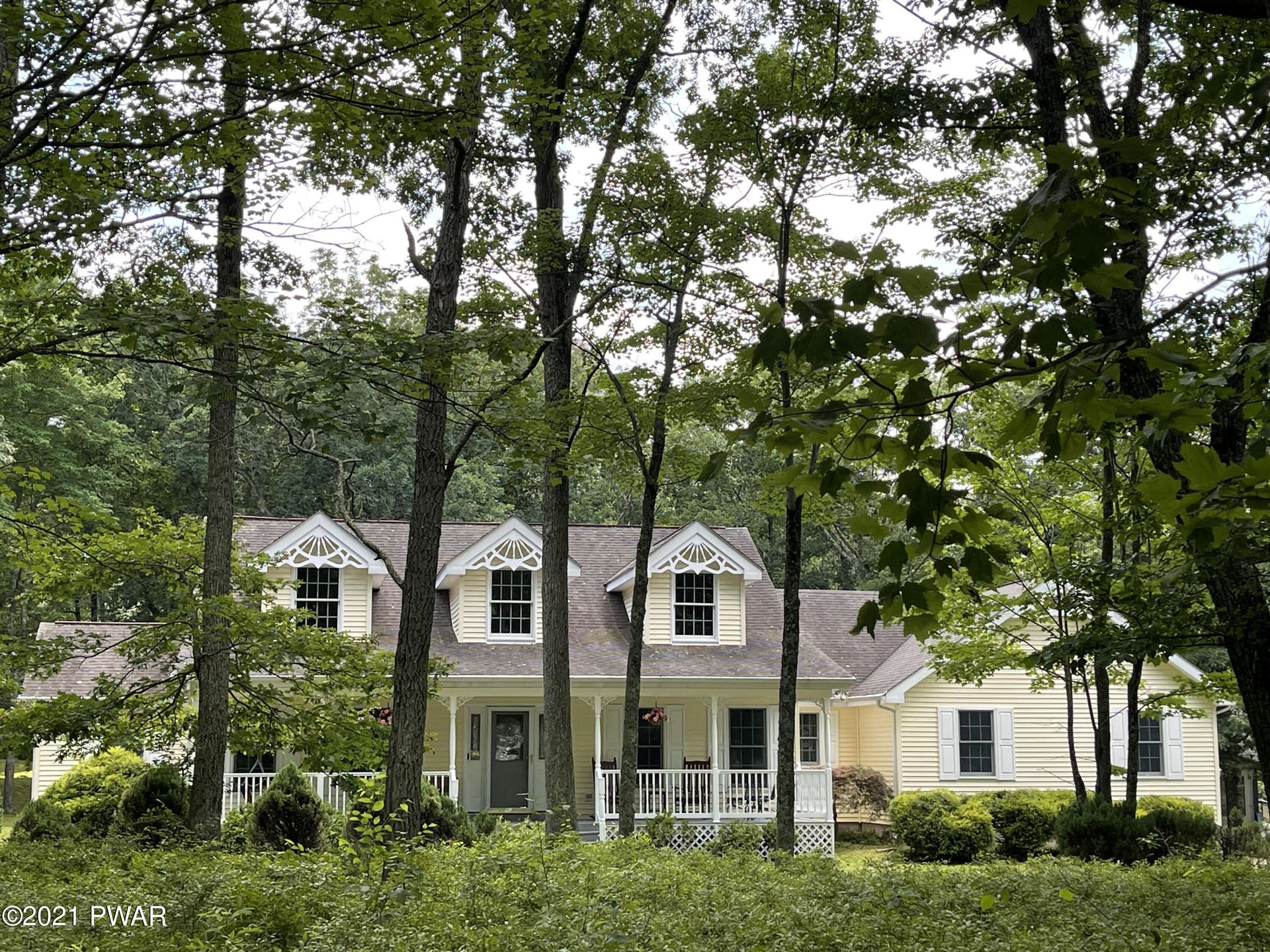 Photo of 110 Gaskin Dr, Lords Valley, PA 18428 (MLS # 21-2759)