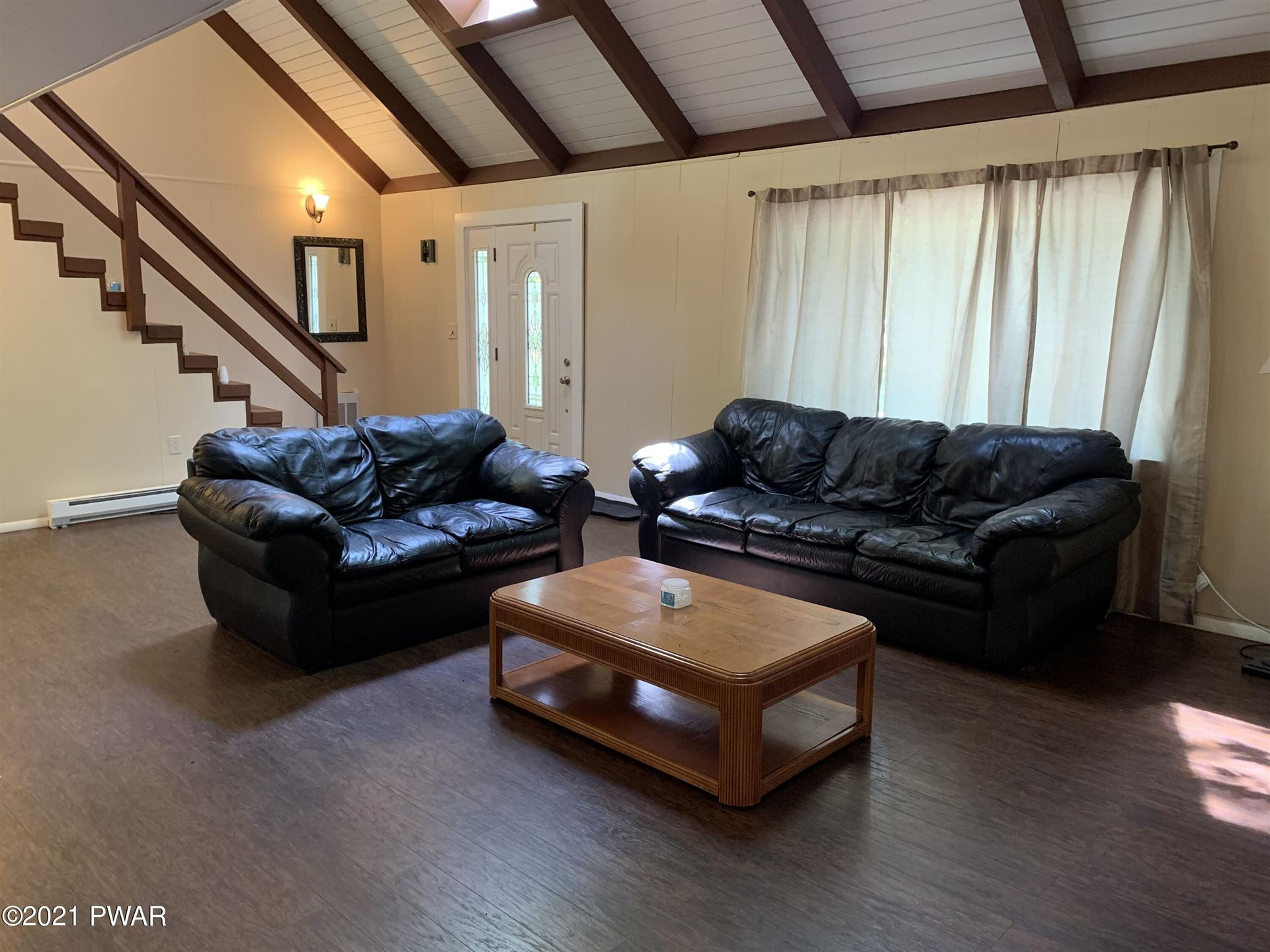 Photo of 209 Lincoln Dr, Lords Valley, PA 18428 (MLS # 21-1775)