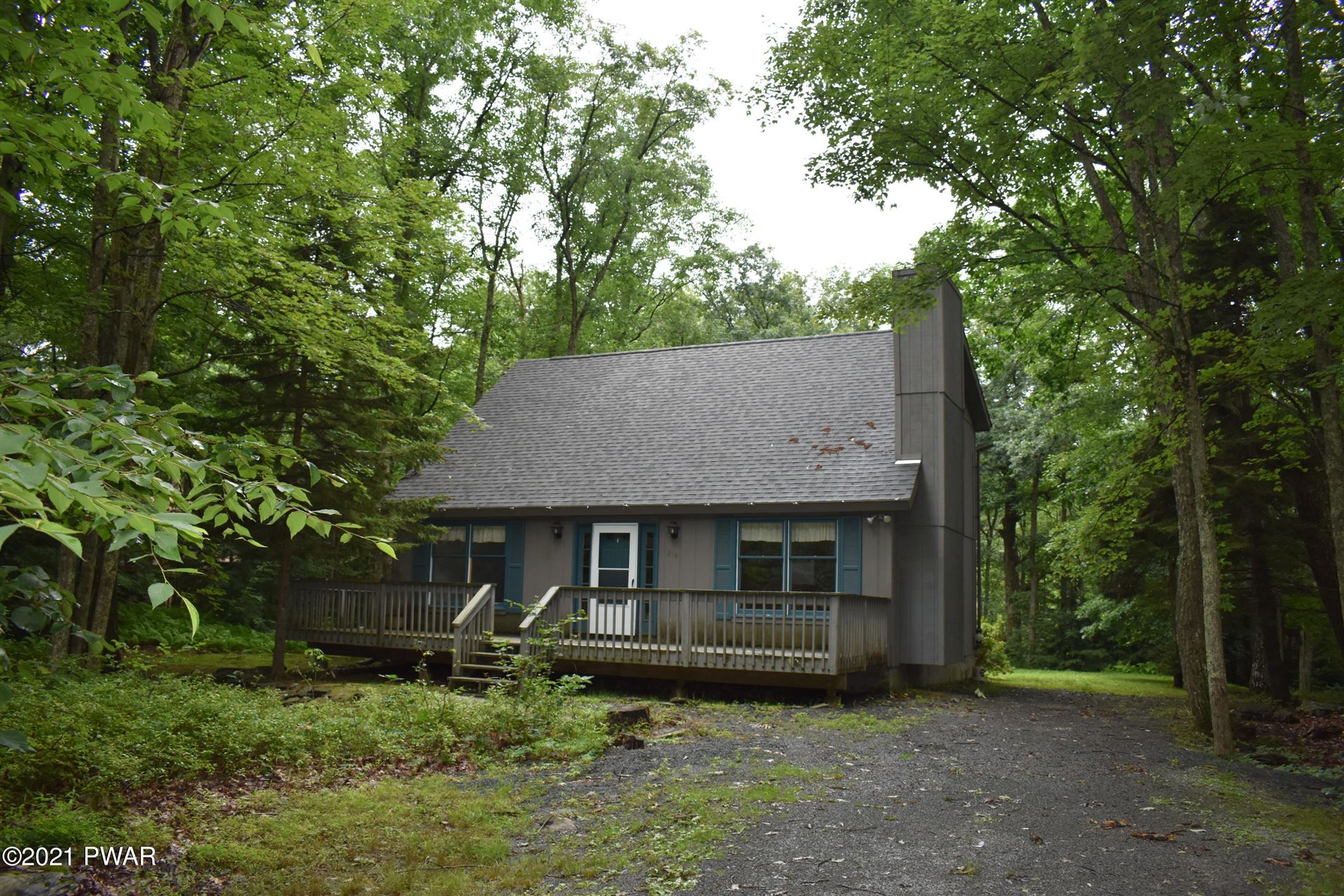 Photo of 218 Canterbrook Drive, Lords Valley, PA 18428 (MLS # 21-2796)