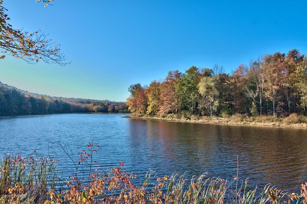 Photo of 1111 Avoy Rd, Lakeville, PA 18438 (MLS # 21-854)