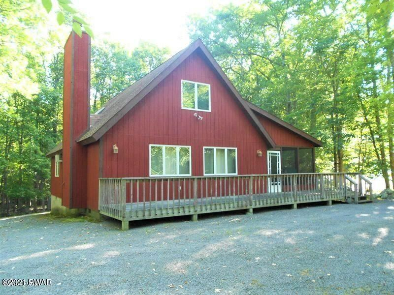 Photo of 101 Lone Pine Bay, Lords Valley, PA 18428 (MLS # 21-1865)