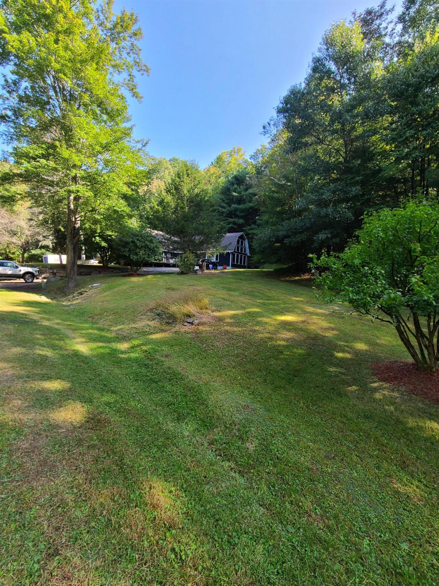 Photo of 20 Chuck Foster Dr, Hawley, PA 18428 (MLS # 20-3869)