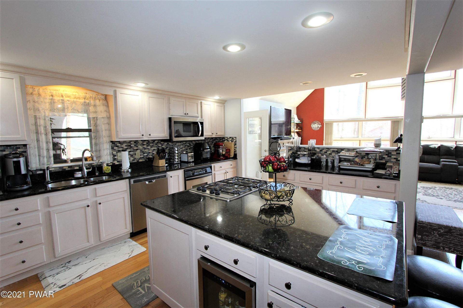Photo of 289 Chestnut Hill Dr, Lake Ariel, PA 18436 (MLS # 21-889)