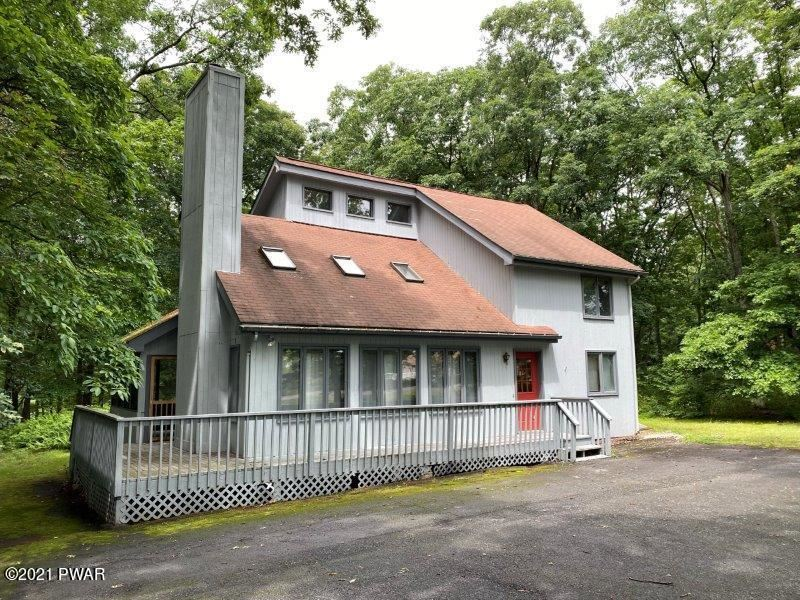 Photo of 104 Burning Tree Dr, Lords Valley, PA 18428 (MLS # 21-2949)