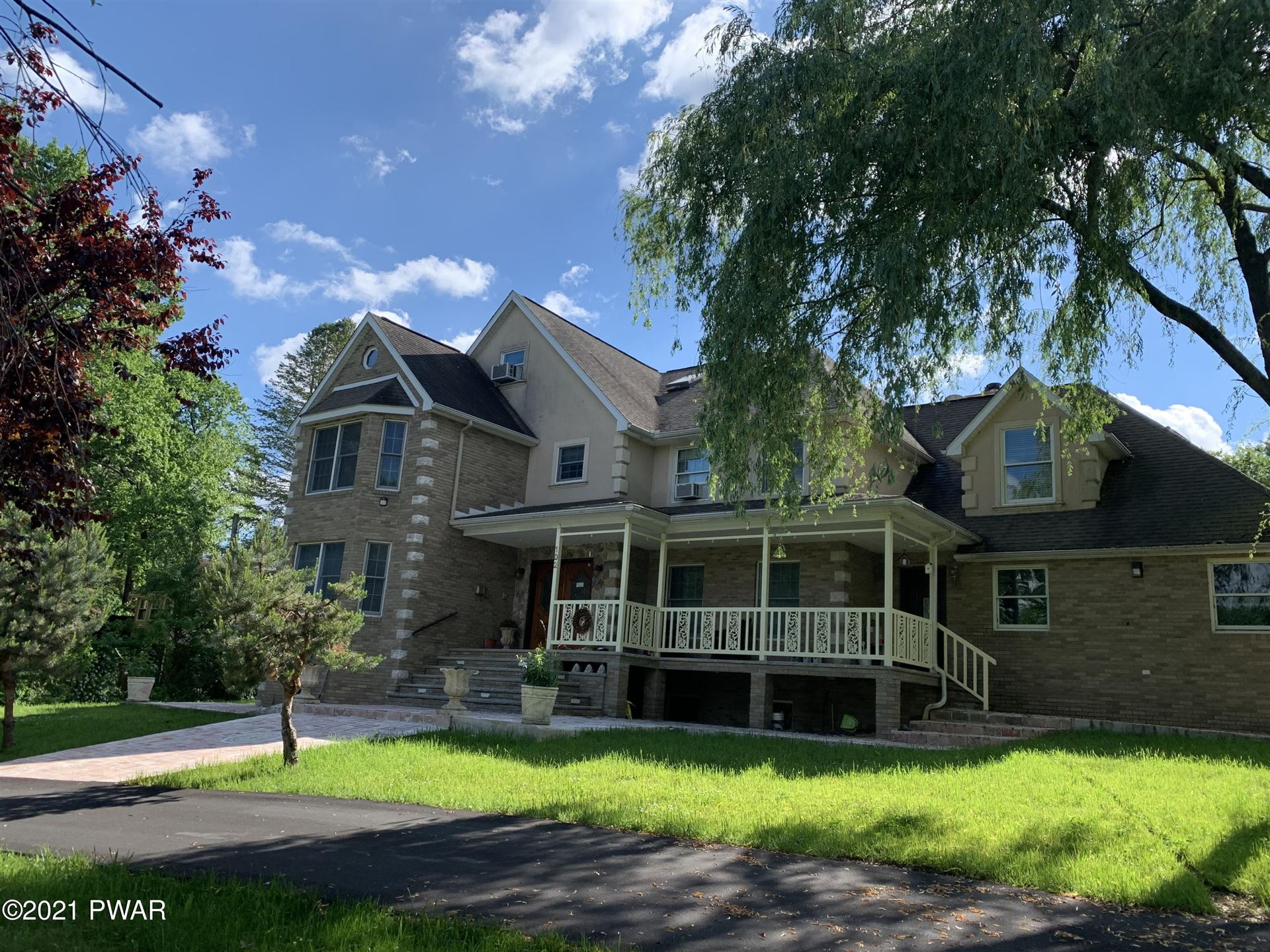 Photo of 102 Basswood Dr, Lords Valley, PA 18428 (MLS # 21-1957)