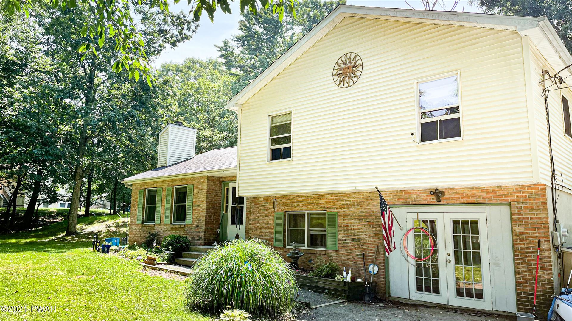 Photo of 103 Lincoln Ct, Milford, PA 18337 (MLS # 21-2995)