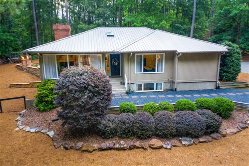 Photo of 20 Lakeview Drive, Whispering Pines, NC 28327 (MLS # 200455)