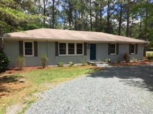 Photo of 505 W Maine Avenue, Southern Pines, NC 28387 (MLS # 200529)