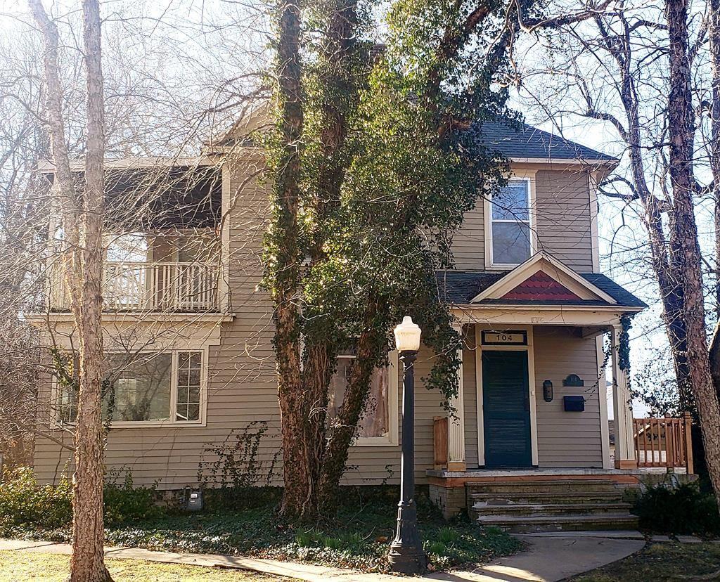 104 S Olive, Pittsburg, KS 66762 - MLS#: 200130