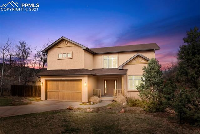 Photo for 301 Oak Place, Manitou Springs, CO 80829 (MLS # 5478116)