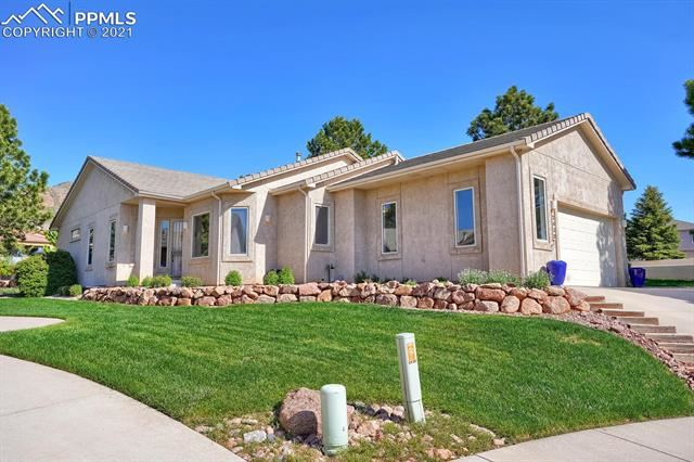 Photo for 2430 Green Valley Heights, Colorado Springs, CO 80919 (MLS # 2786254)