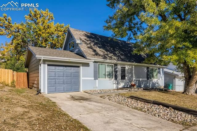 Photo for 2221 Fernwood Drive, Colorado Springs, CO 80910 (MLS # 1133311)