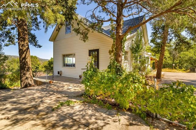 Photo for 7 Jade Avenue, Manitou Springs, CO 80829 (MLS # 6688559)