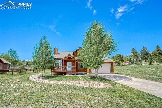 Photo for 482 Gray Horse Circle, Woodland Park, CO 80863 (MLS # 6720866)