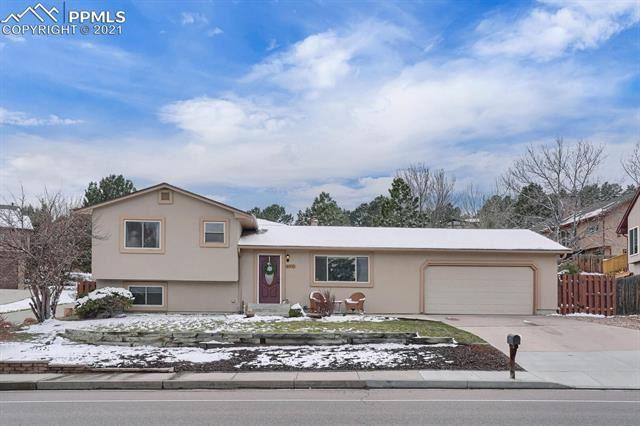 Photo for 6910 Delmonico Drive, Colorado Springs, CO 80919 (MLS # 6178973)