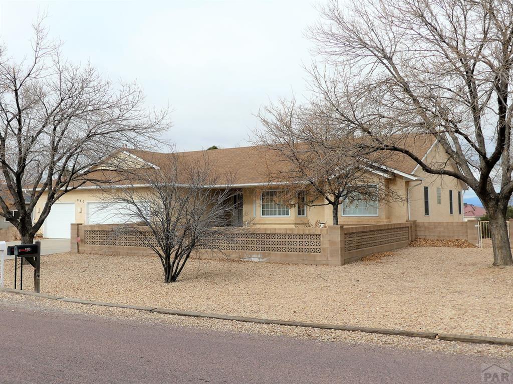 353 S Pin High Dr, Pueblo West, CO 81007 - #: 191102
