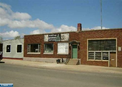 Photo of 137 W HOWARD ST, HIBBING, MN 55746 (MLS # 138788)