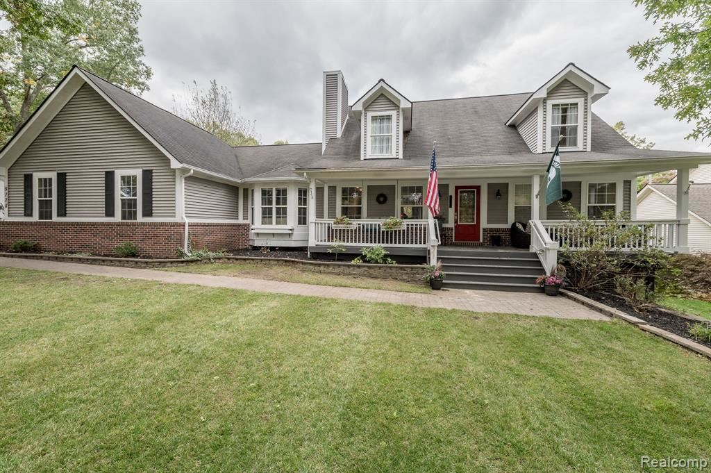 Photo for 5175 WATERFORD Road, Independence Township, MI 48346 (MLS # 219106002)