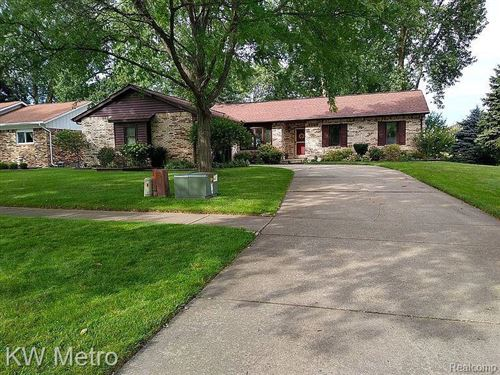 Photo of 13165 Independence Ave., Macomb Township, MI 48315 (MLS # 2200085004)