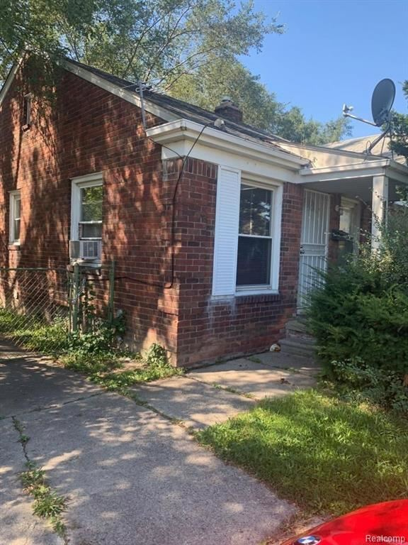 19526 MOROSS Road, Detroit, MI 48224 - MLS#: 2200087012