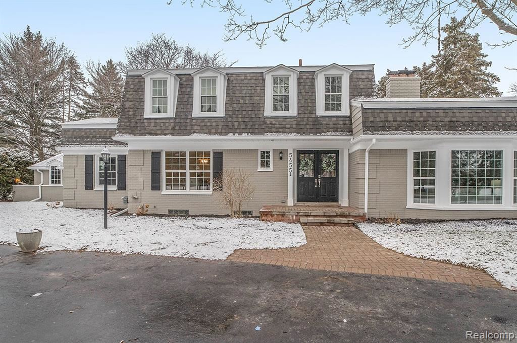 Photo of 5455 FOREST Way, Bloomfield Township, MI 48302 (MLS # 2210003013)