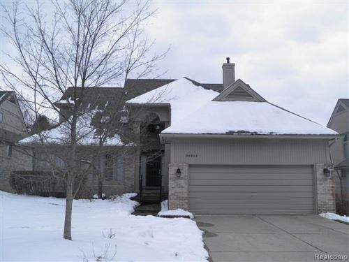 Photo of 38319 Golfview, Farmington Hills, MI 48331 (MLS # 2200013024)