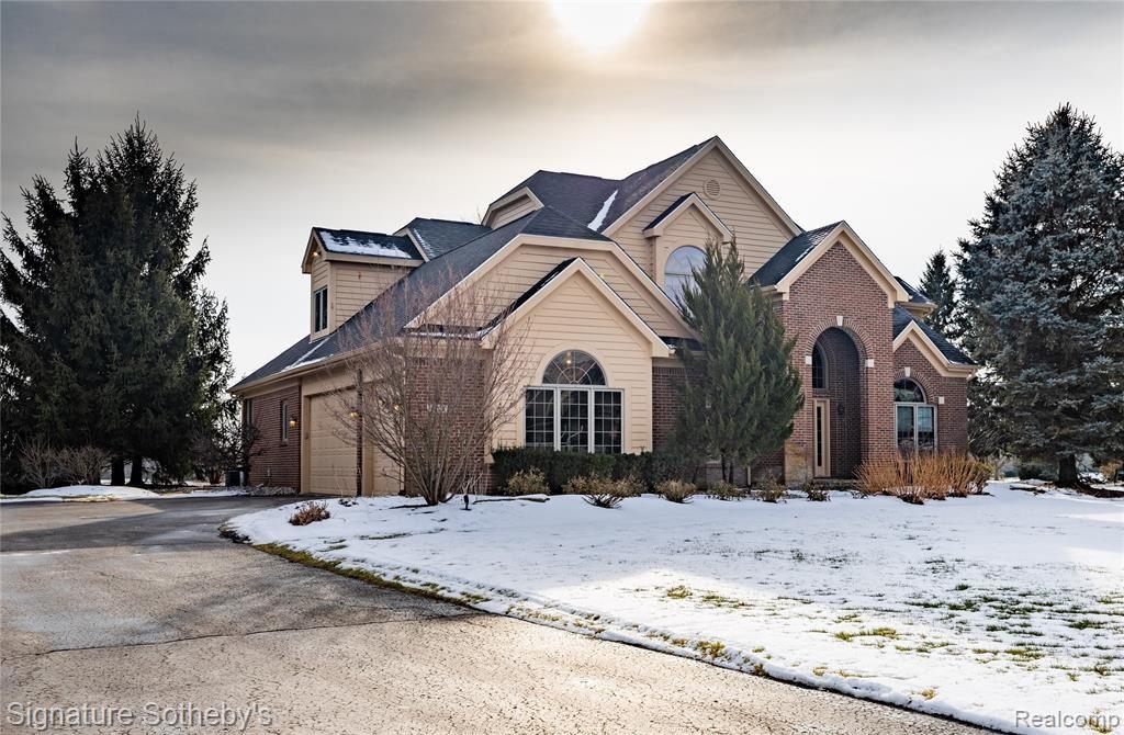 Photo for 8701 S SHORE Drive, Springfield Township, MI 48348 (MLS # 2210003025)