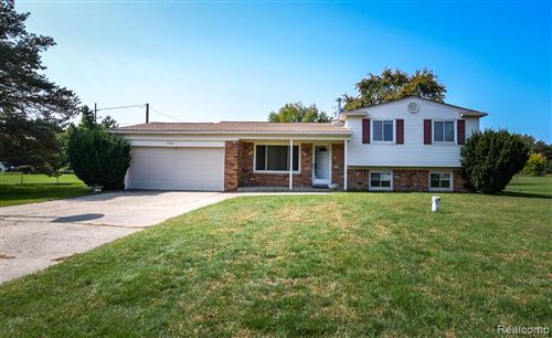 Photo of 6019 MARY SUE Street, Independence Township, MI 48346 (MLS # 2200080029)