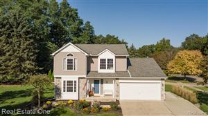 Photo of 2652 Bayberry Drive, Waterford Township, MI 48329 (MLS # 219099032)