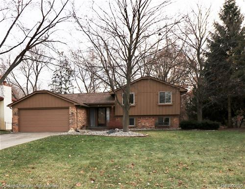 Photo of 5134 OLD COVE Road, Independence Township, MI 48346 (MLS # 219121032)