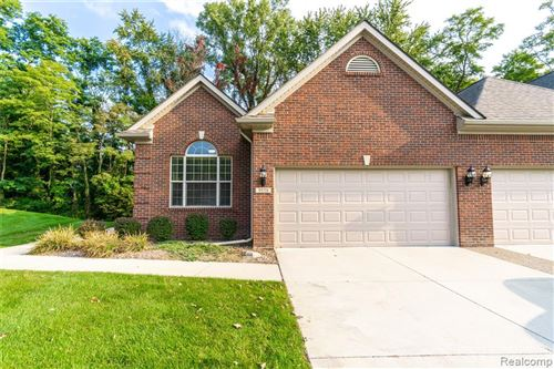 Photo of 9558 KINGSWAY Circle, Springfield Township, MI 48348 (MLS # 2200077041)