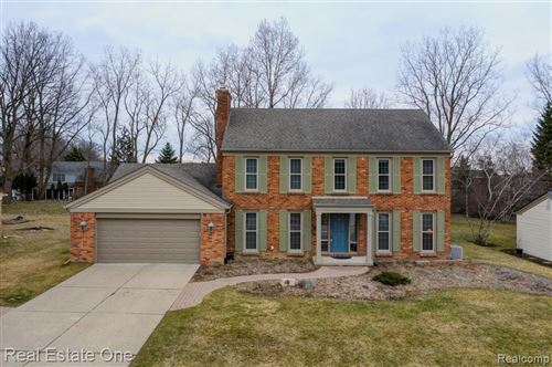 Photo of 1190 HATHAWAY RISING, Rochester Hills, MI 48306 (MLS # 2200019043)
