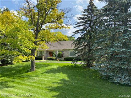 Photo of 9304 THORNHILL Drive, Independence Township, MI 48348 (MLS # 2210082061)