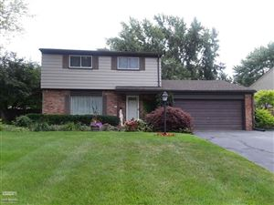 Photo of 4972 SOUTHVIEW, SHELBY Township, MI 48317 (MLS # 58031385066)