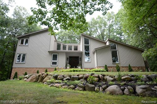 Photo of 7450 DEERHILL Drive, Independence Township, MI 48346 (MLS # 2200004071)
