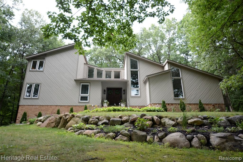 Photo for 7450 DEERHILL Drive, Independence Township, MI 48346 (MLS # 2200004071)