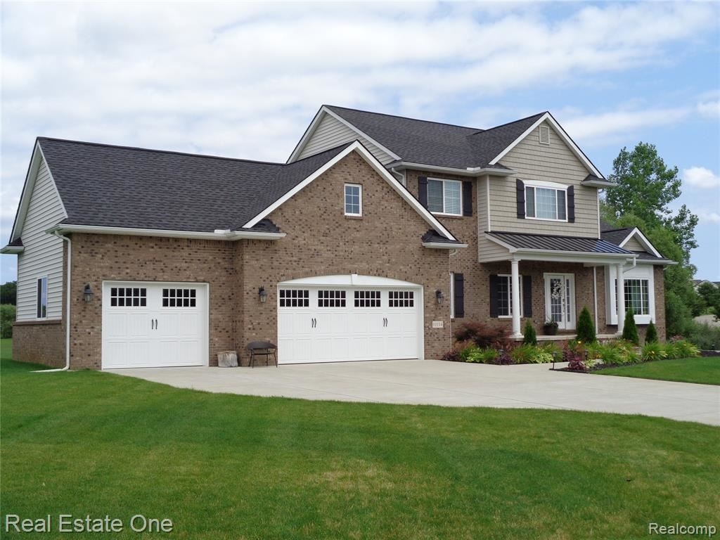 Photo for 10114 CLIFF VIEW Court, Independence Township, MI 48348 (MLS # 219073093)