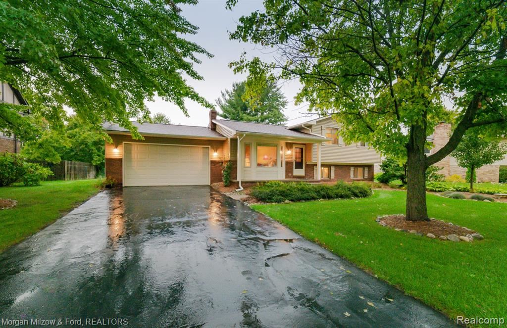 Photo for 7229 Chapel View Drive, Independence Township, MI 48346 (MLS # 2210077093)