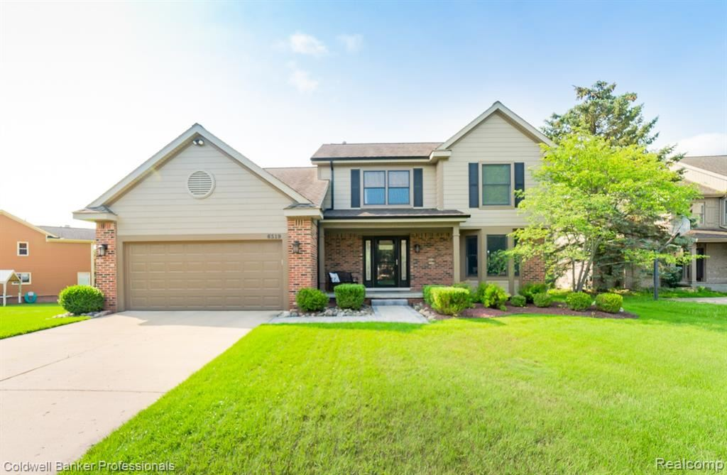 Photo for 6519 HORNCLIFFE Drive, Independence Township, MI 48346 (MLS # 2210058105)