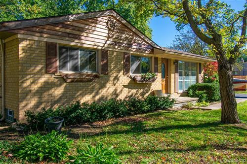 Photo of 6538 WEALTHY Street, Independence Township, MI 48346 (MLS # 2210087108)