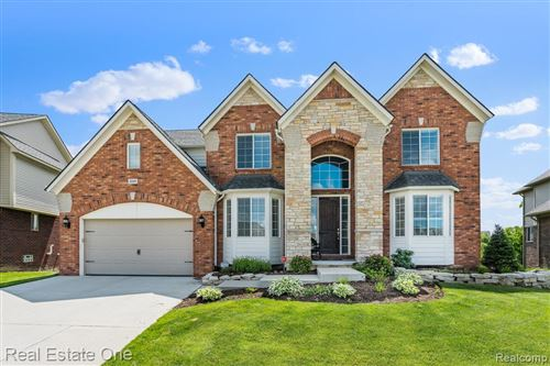 Photo of 4589 Catalina Drive, Orion Township, MI 48359 (MLS # 2210046109)