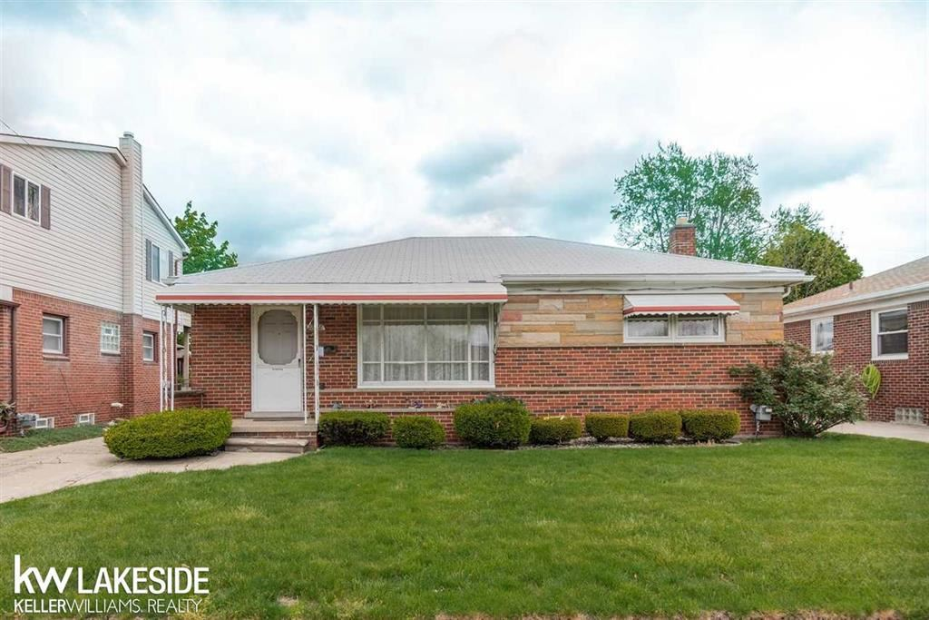 Photo of 28128 ALGER, MADISON HEIGHTS, MI 48071 (MLS # 58050041113)